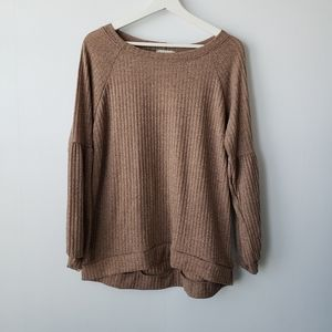 Status by chenault ribbed lantern sleeve top size M
